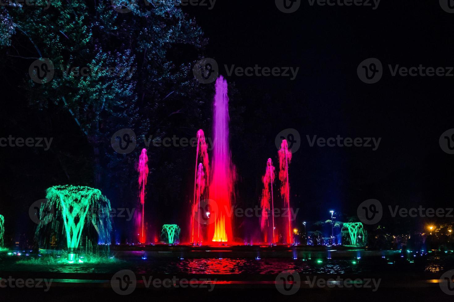 färgstark musikalisk fontän foto