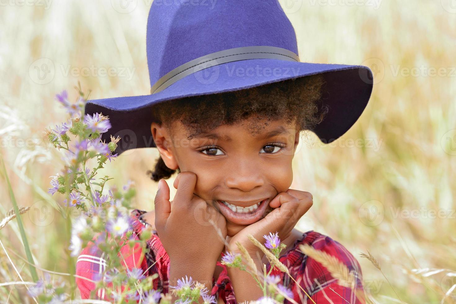 leende barn foto