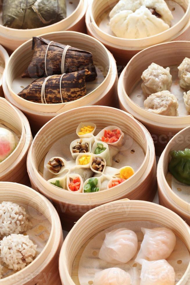 yumcha, dim sum i bambu ångbåt foto