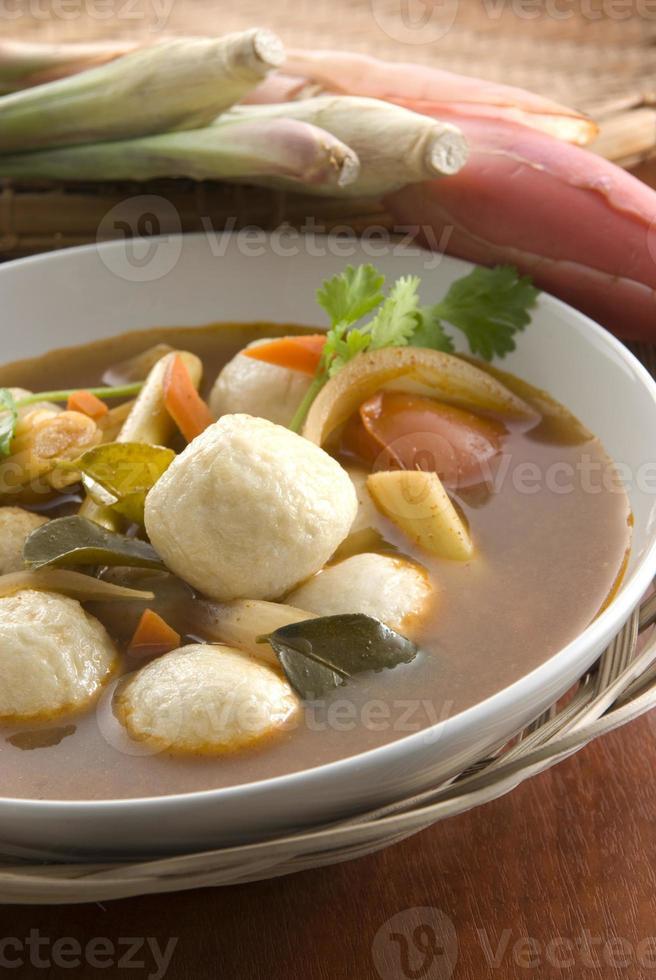 thailändsk tom-yom soppa foto