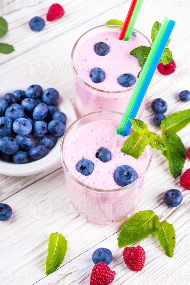 milkshake med blåbär foto