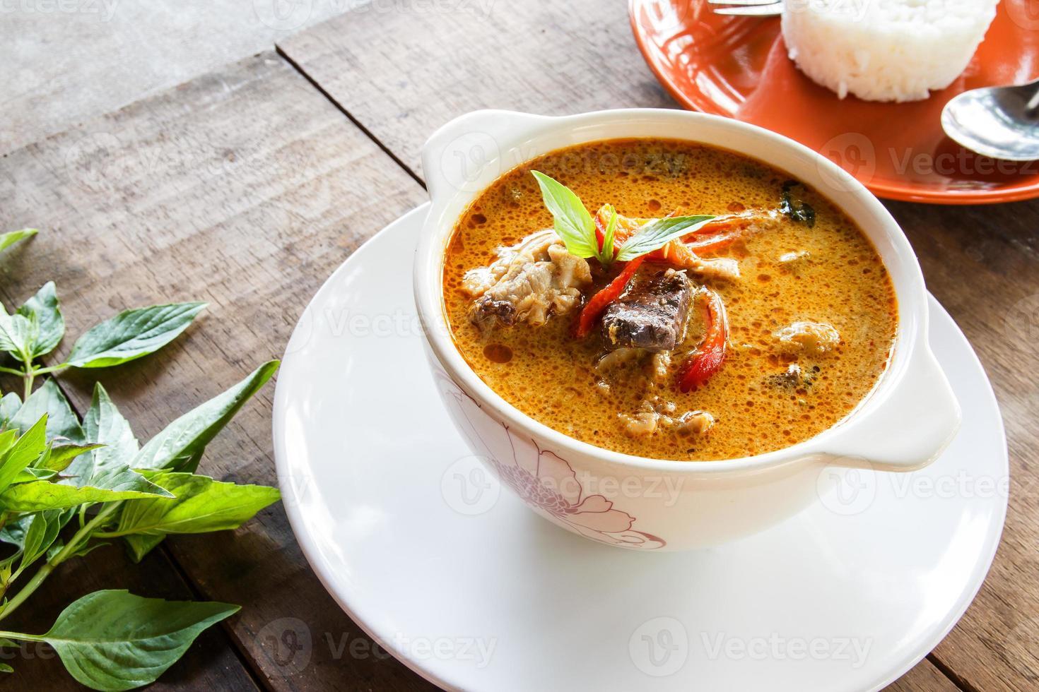 grön curry kyckling, thailändsk mat foto