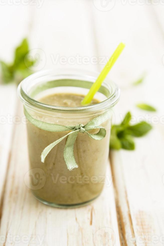 avokado och päron smoothie foto