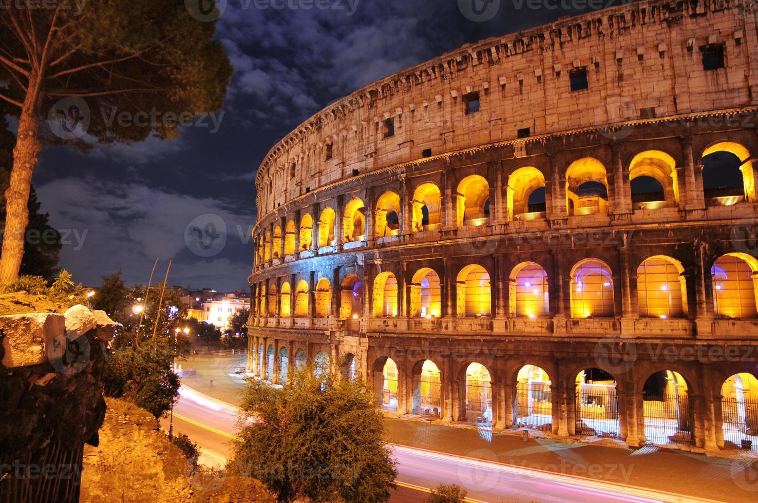 colosseum på natten, Rom foto