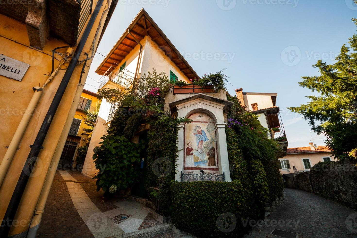belgirate, lago maggiore, novara, piemonte, italia foto