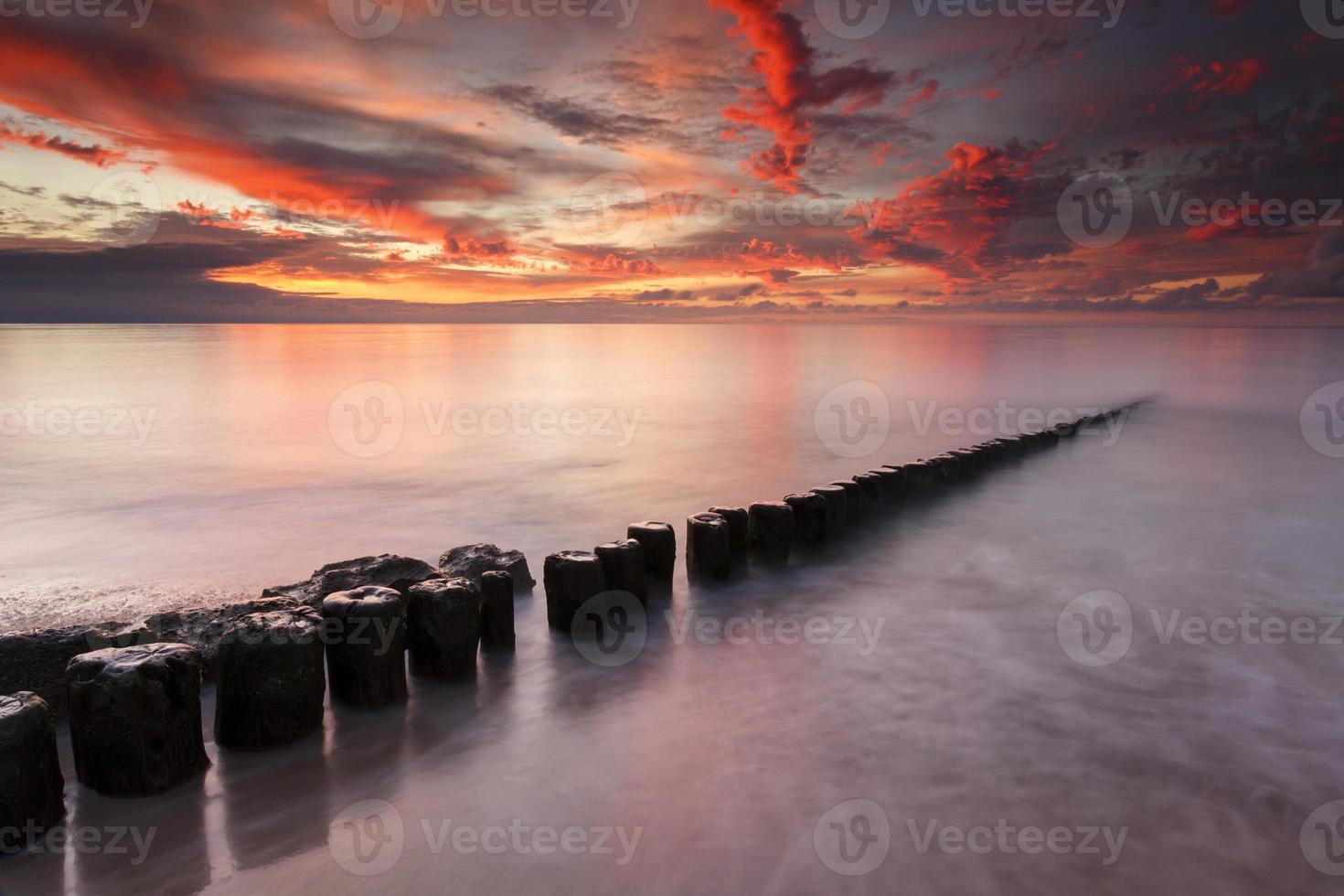 färgglada solnedgång havet foto