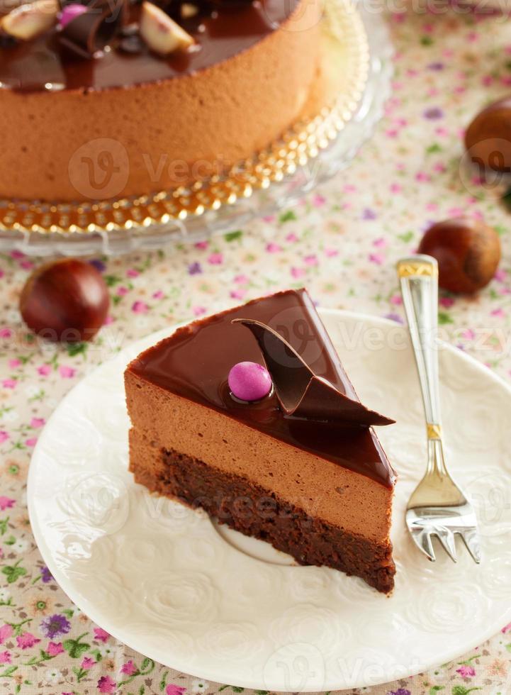 chokladkaka med kastanjemousse brownie. foto