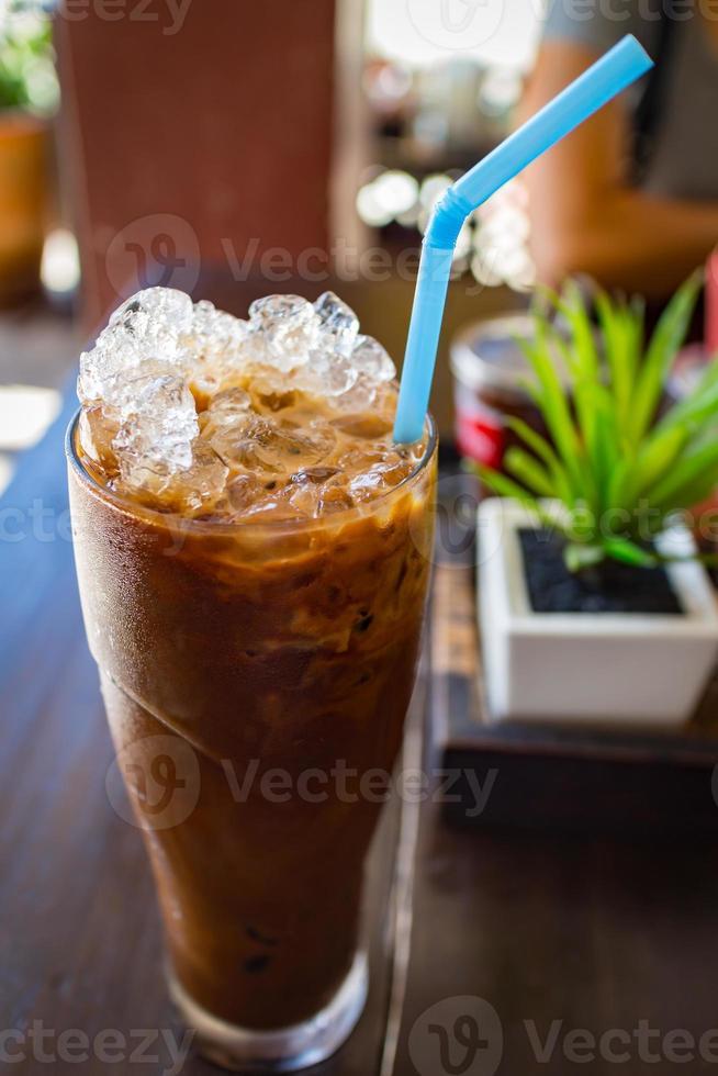 iskaffe med mjölk på topping drink foto