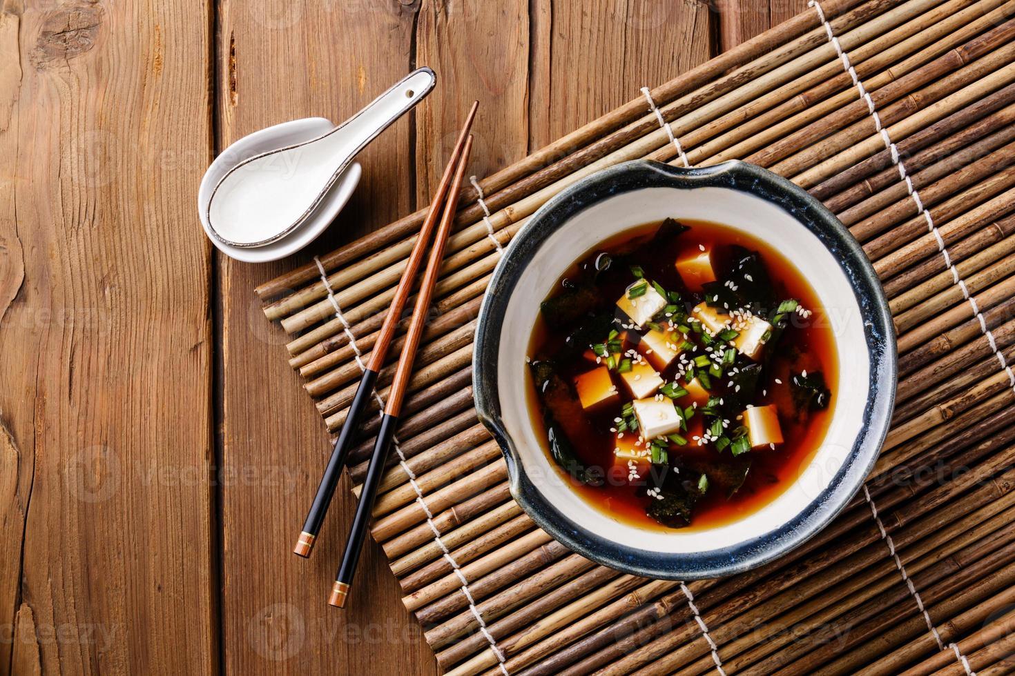 miso soppa med tofu foto