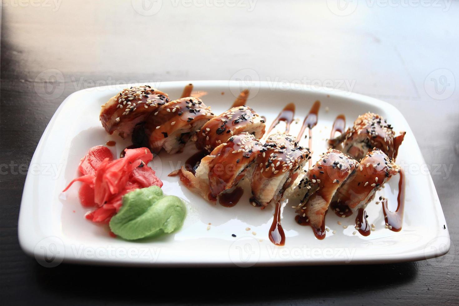 japansk mat är sushi foto