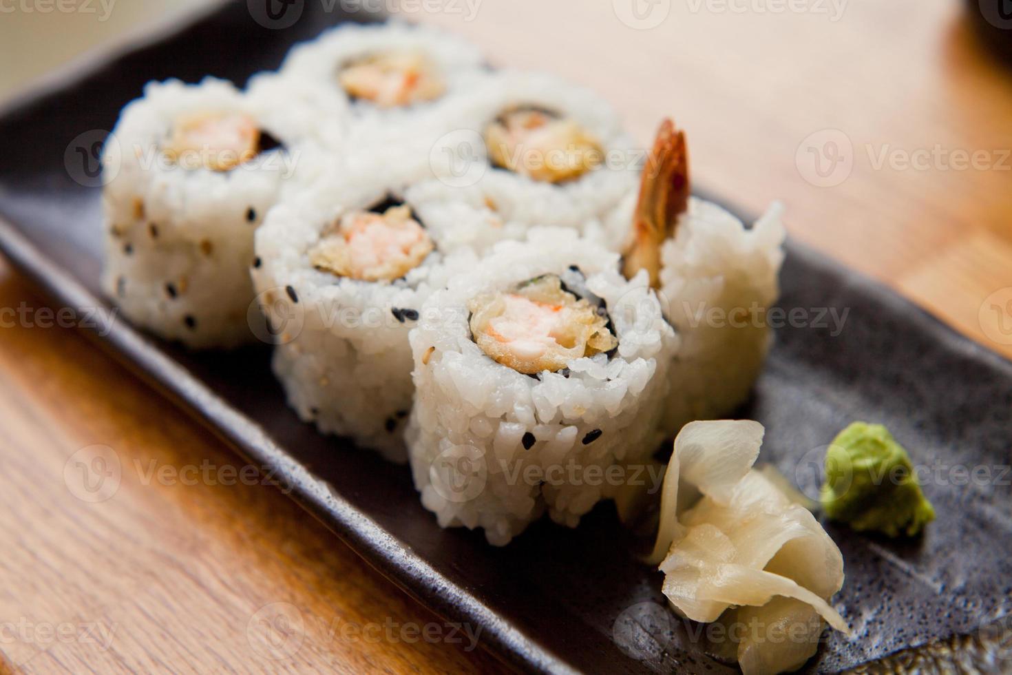 sushi med tempura foto