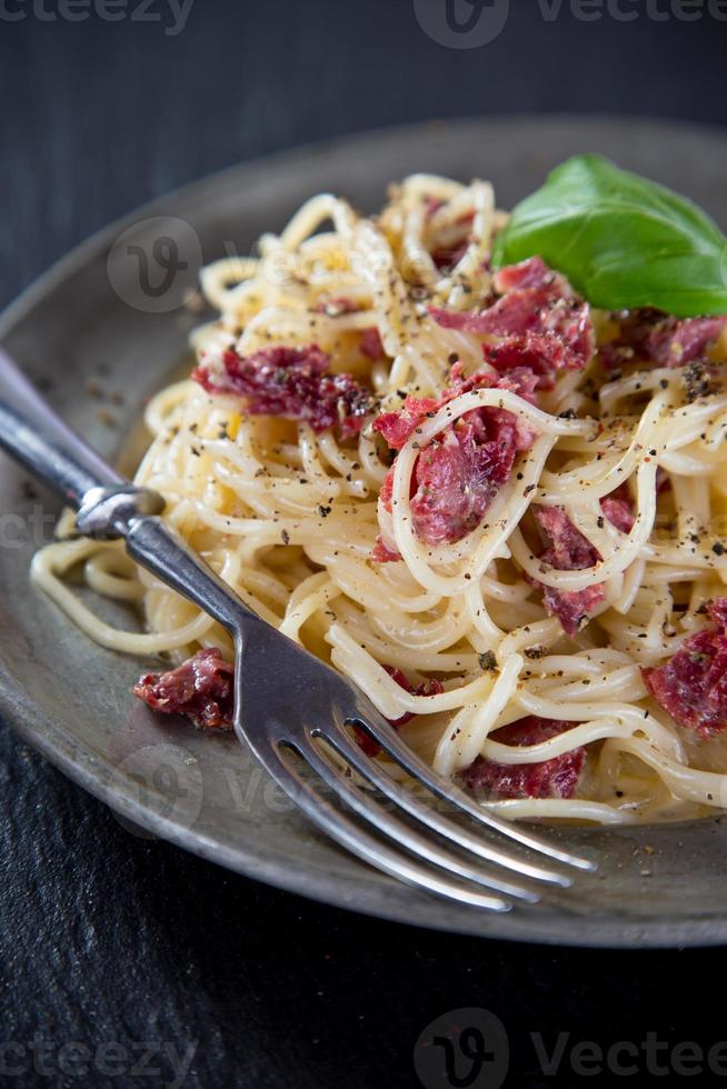 italiensk pasta carbonara foto
