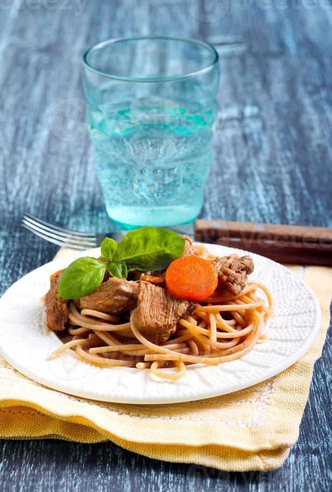 spaghetti med nötkött foto