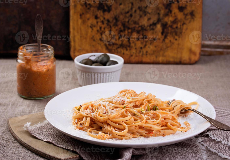 pasta med pestosås foto