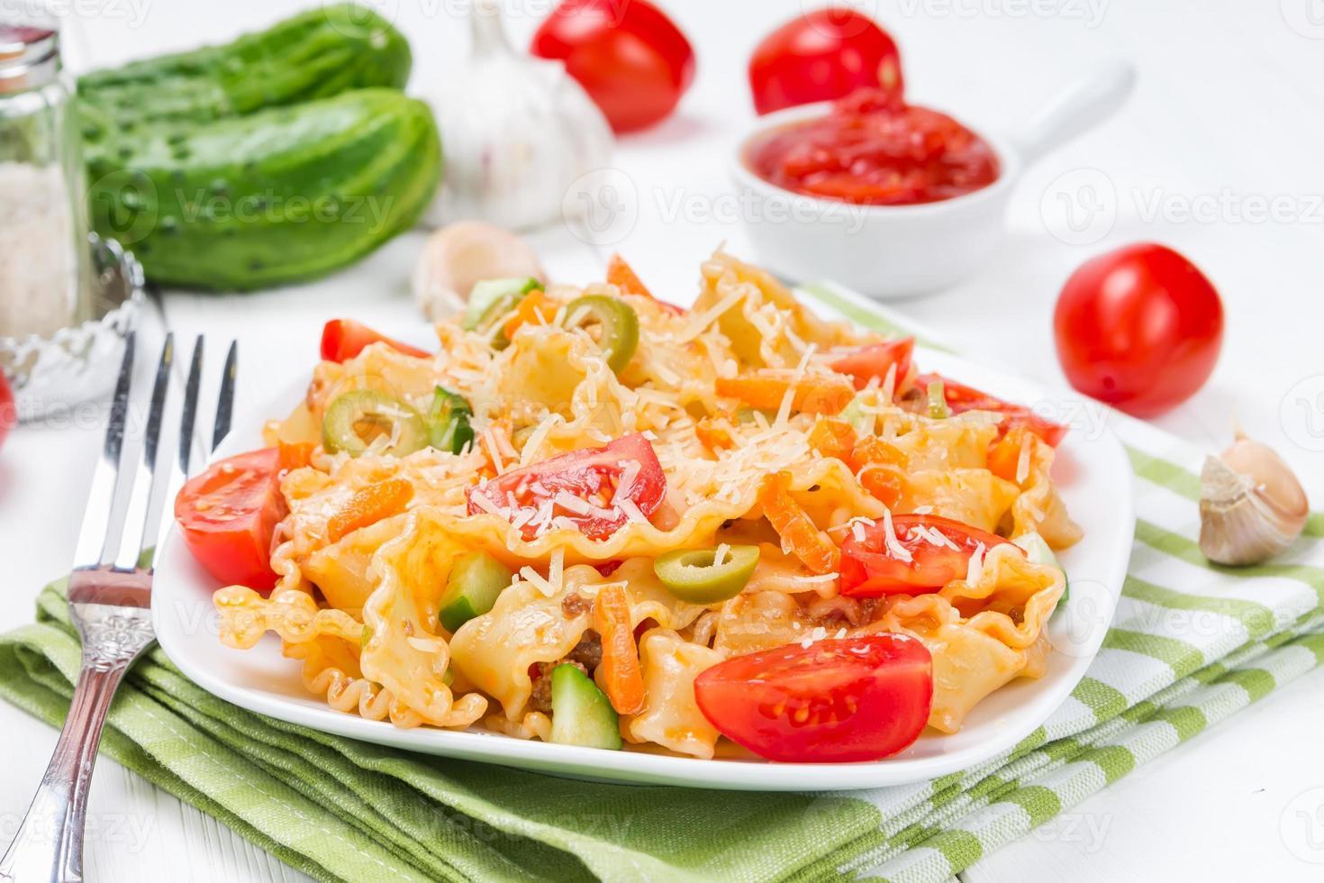 pasta med tomater foto