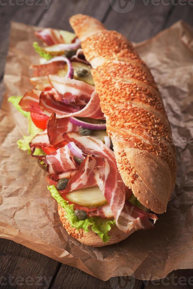ubåtsmörgås med bacon foto