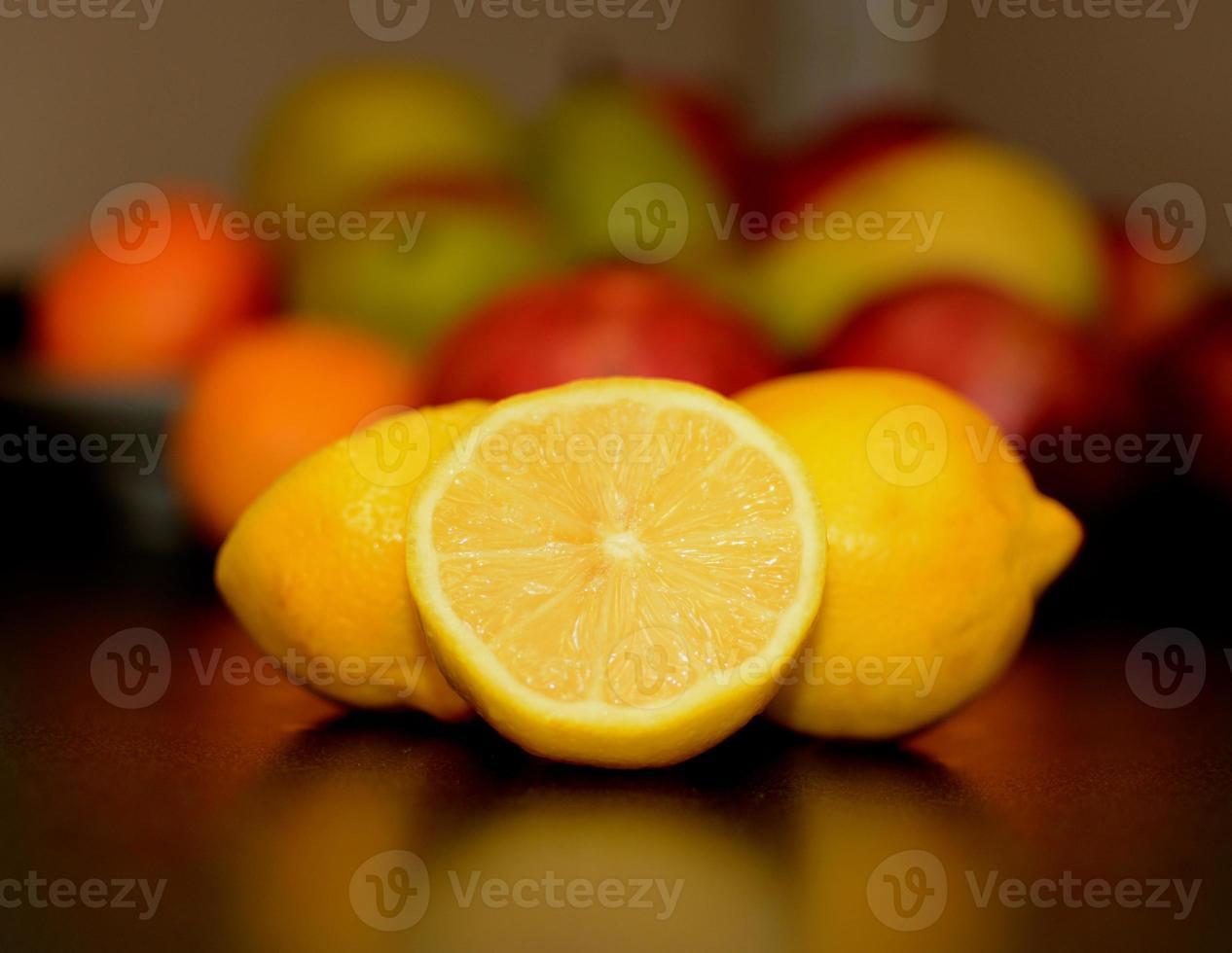 vackra friska frukter. foto