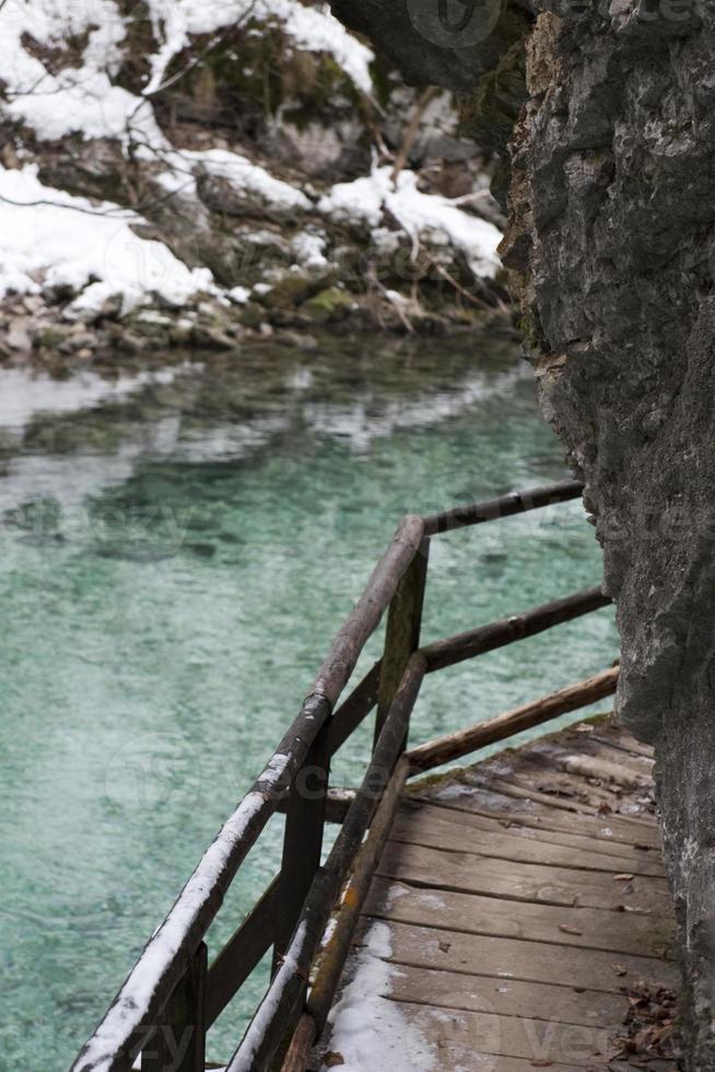ovanför floden foto