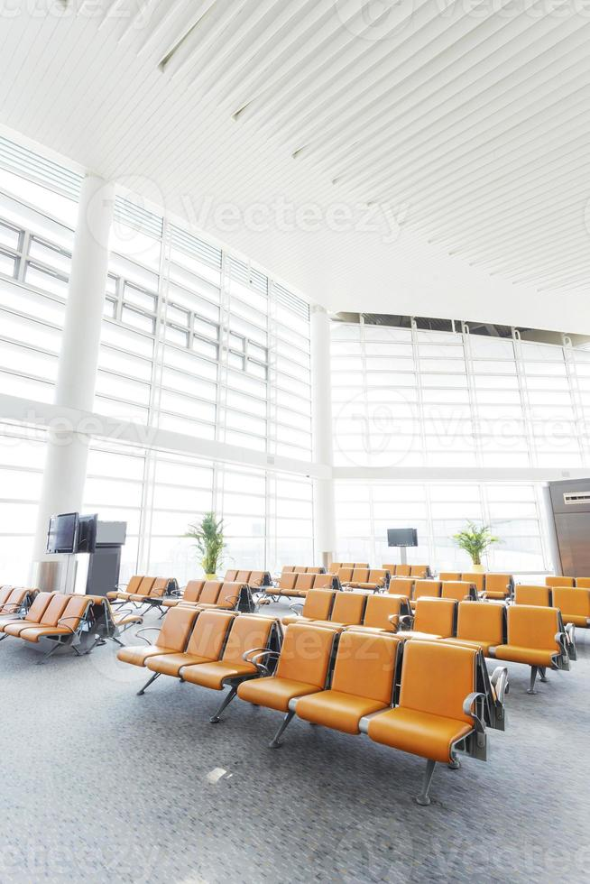 modern flygplats väntar hall interiör foto