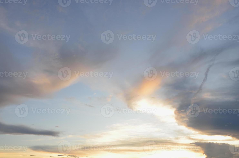 moln på himlen för bakgrund. foto