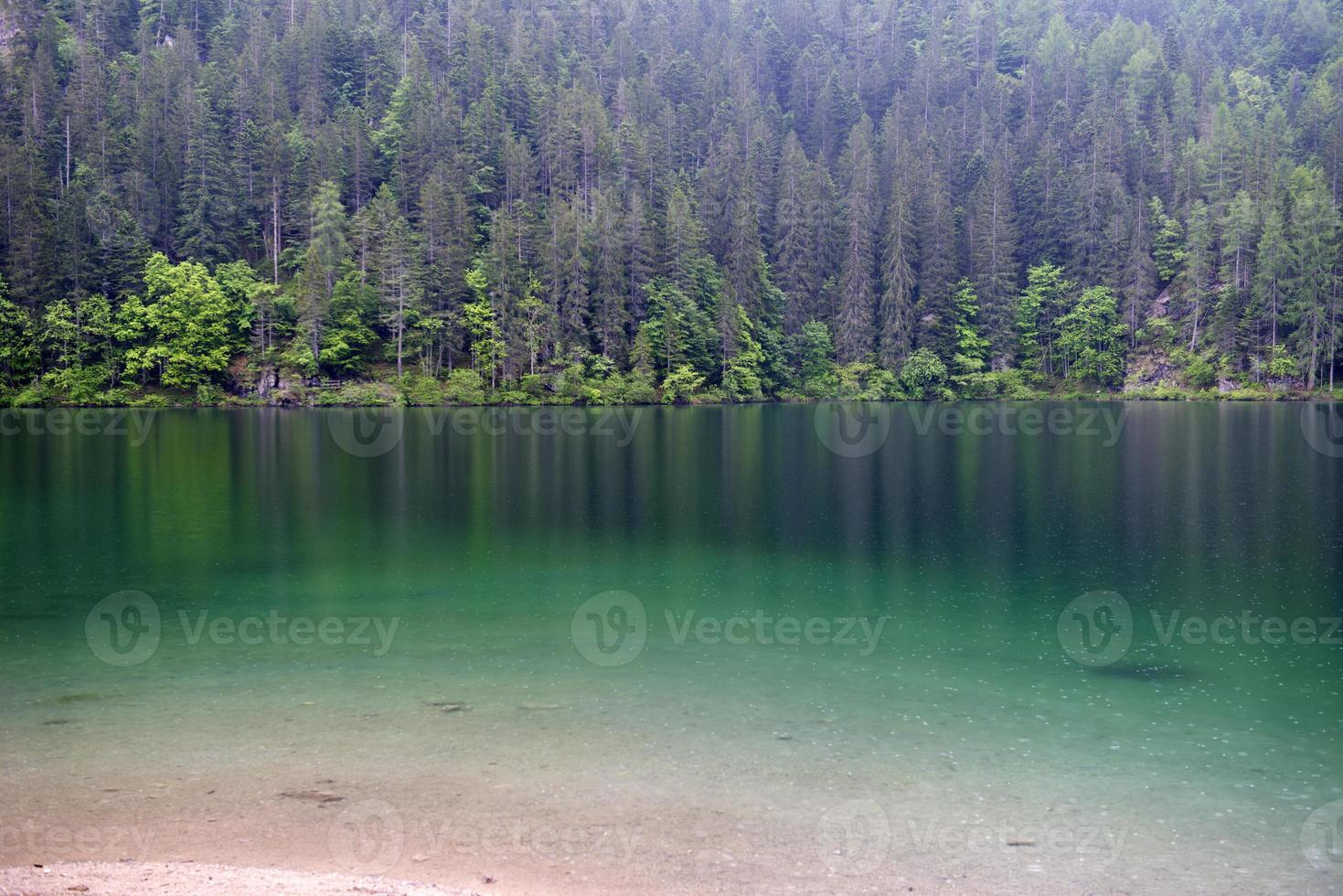 tovel sjön, dolomiter foto