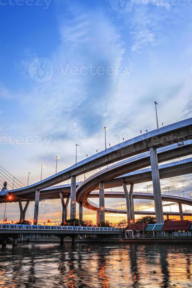bhumibol bridge, bangkok, Thailand foto