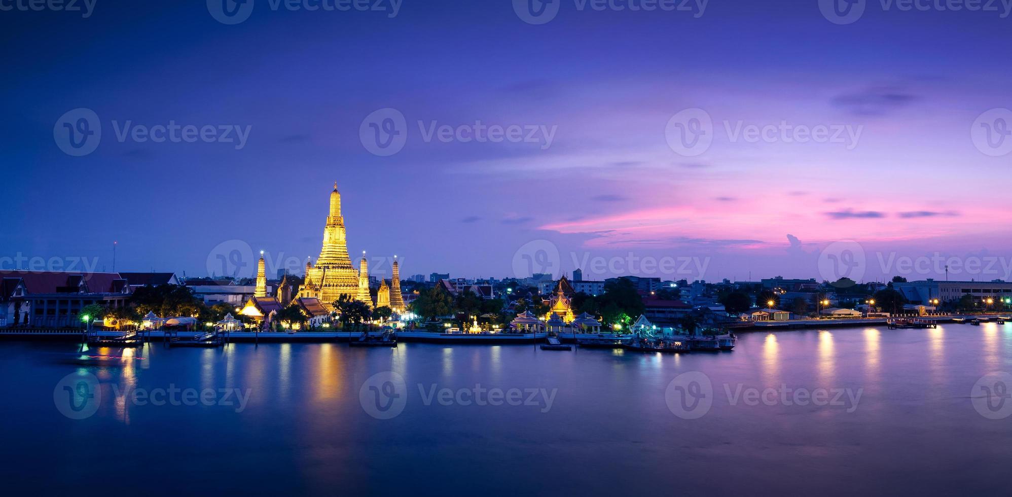 Wat Arun Temple i Bangkok, Thailand foto