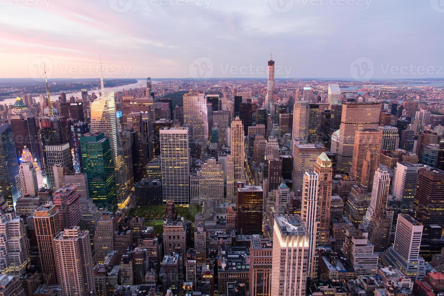 new york city manhattan vid solnedgången foto