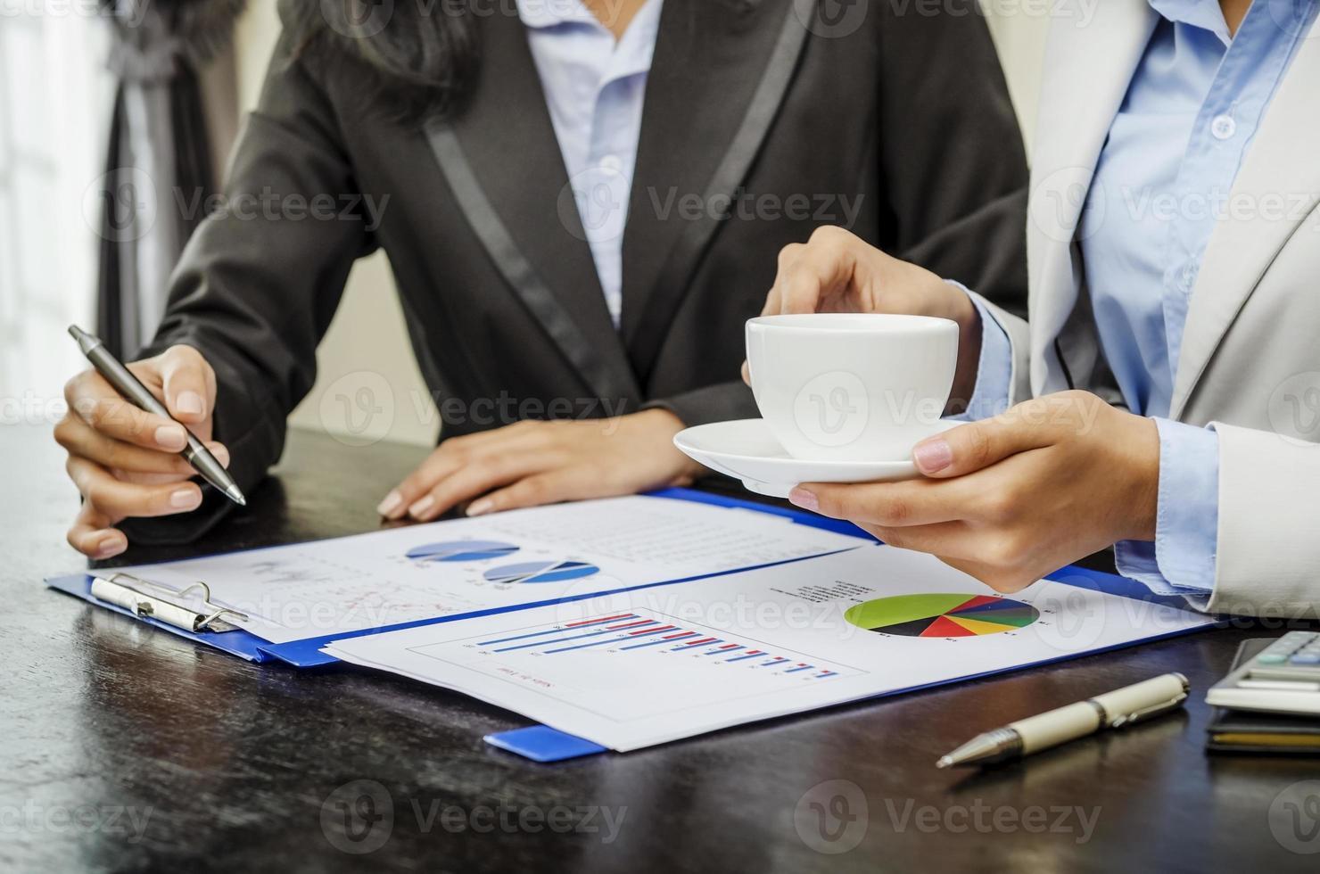 kaffe och diskussion foto