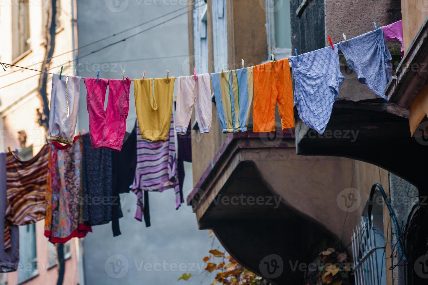 traditionell gata och hus i balatdistriktet foto