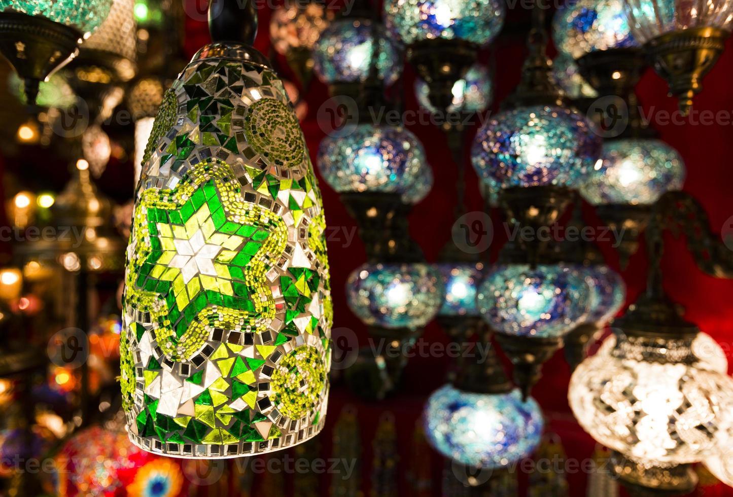 färgglada turkiska lyktor foto