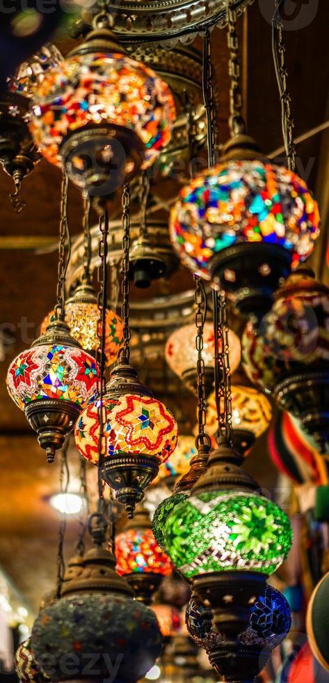 turkiska lyktor som hänger foto