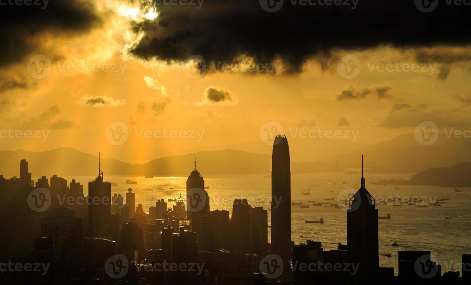 stadens solstråle solnedgång foto