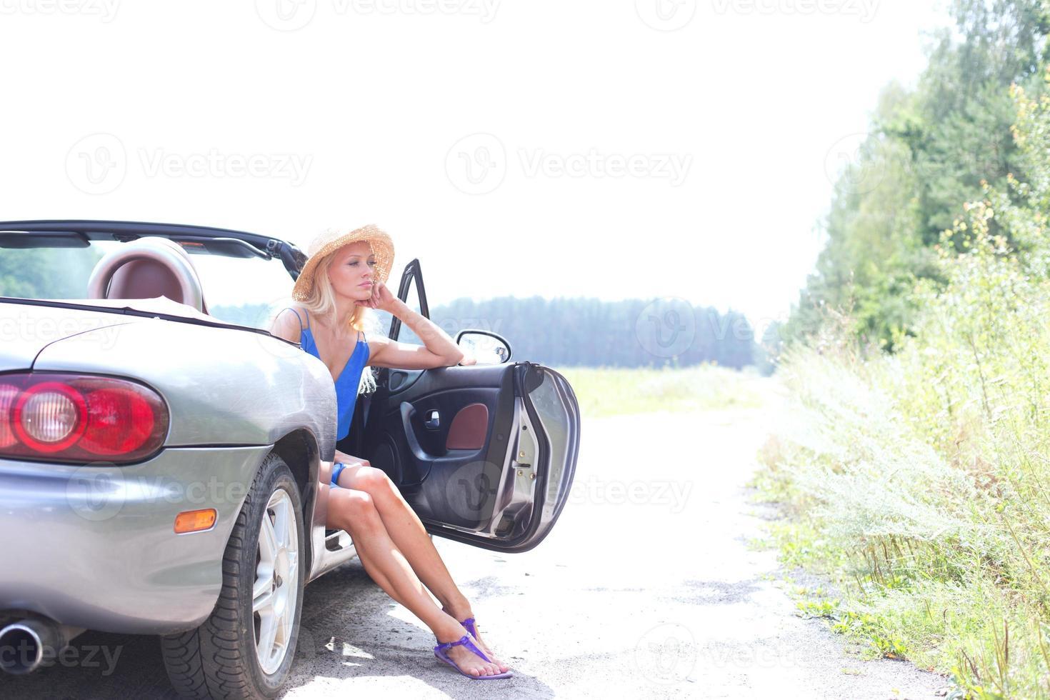 kvinnlig väg resa foto