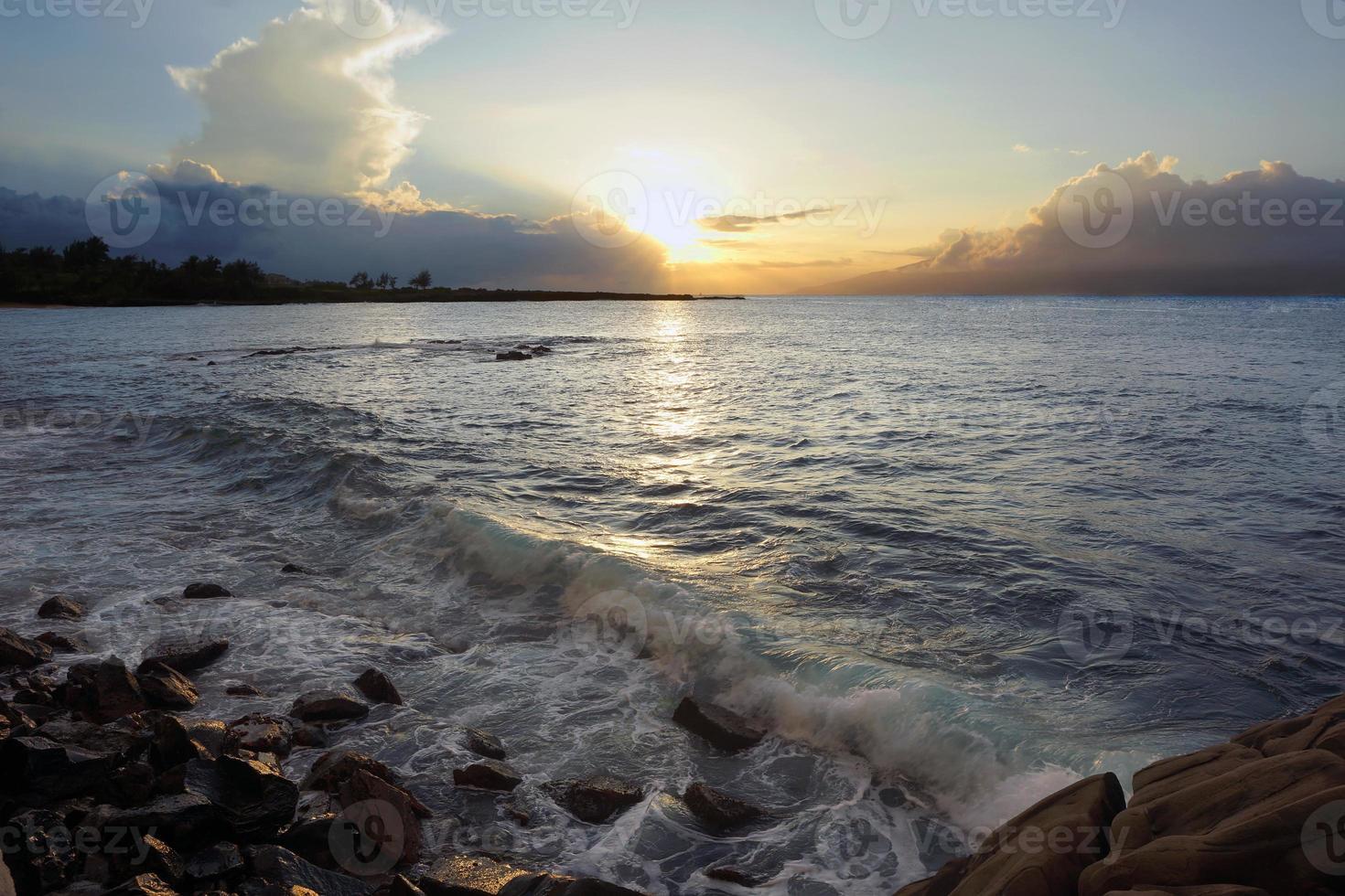 solnedgång över maui foto
