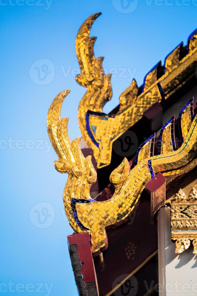 thailändska tempel taket foto