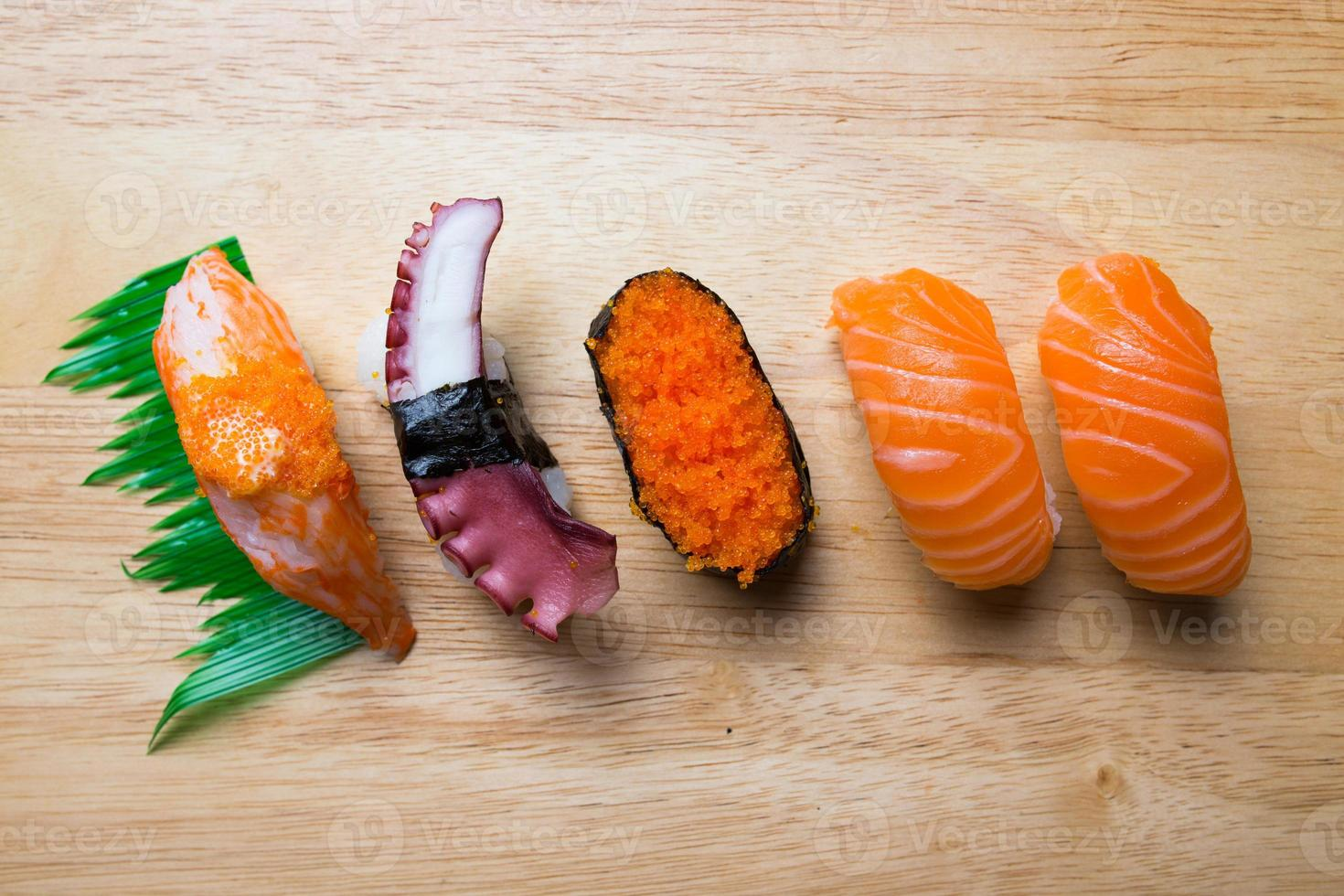 japansk sushi foto