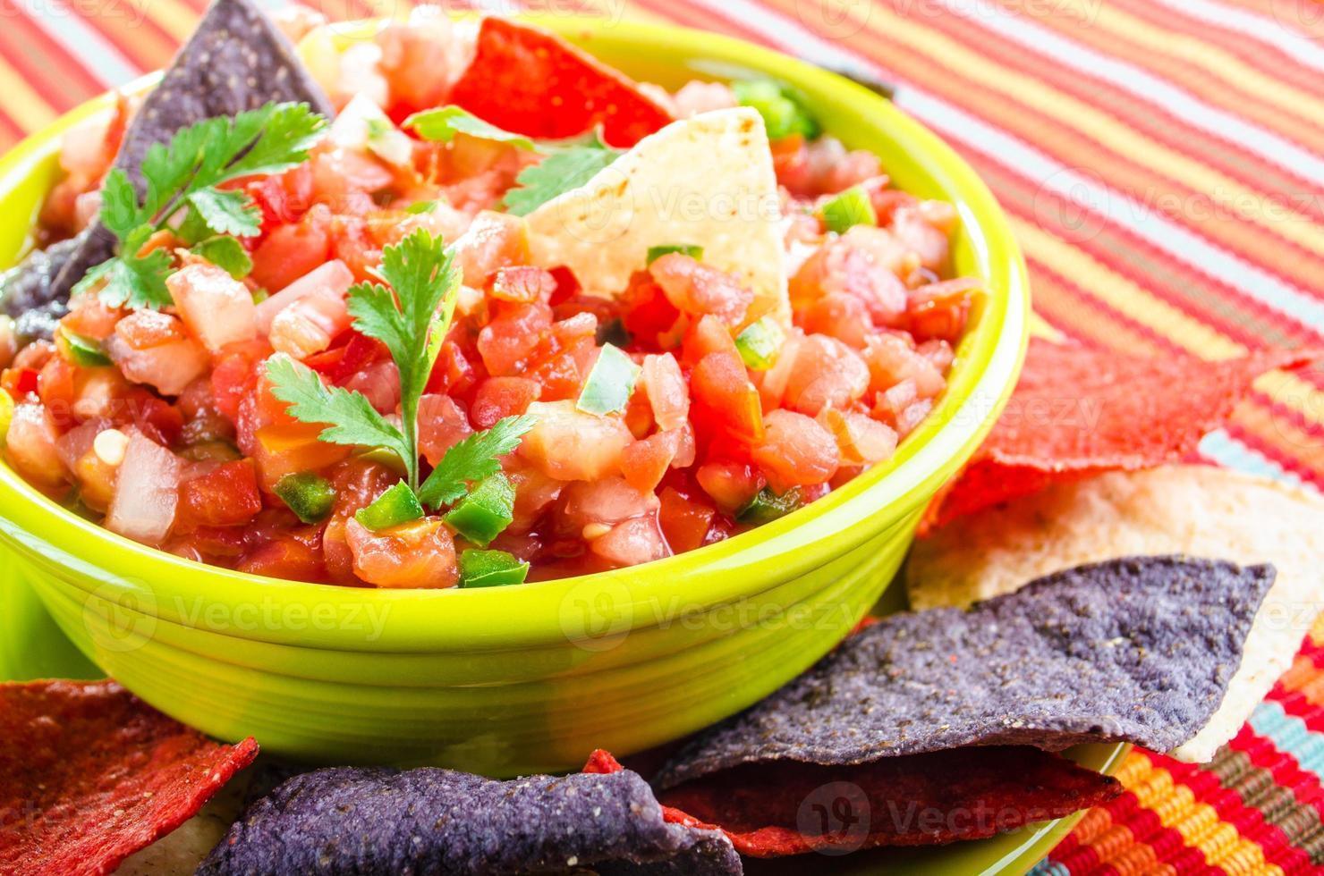 salsa och chips foto