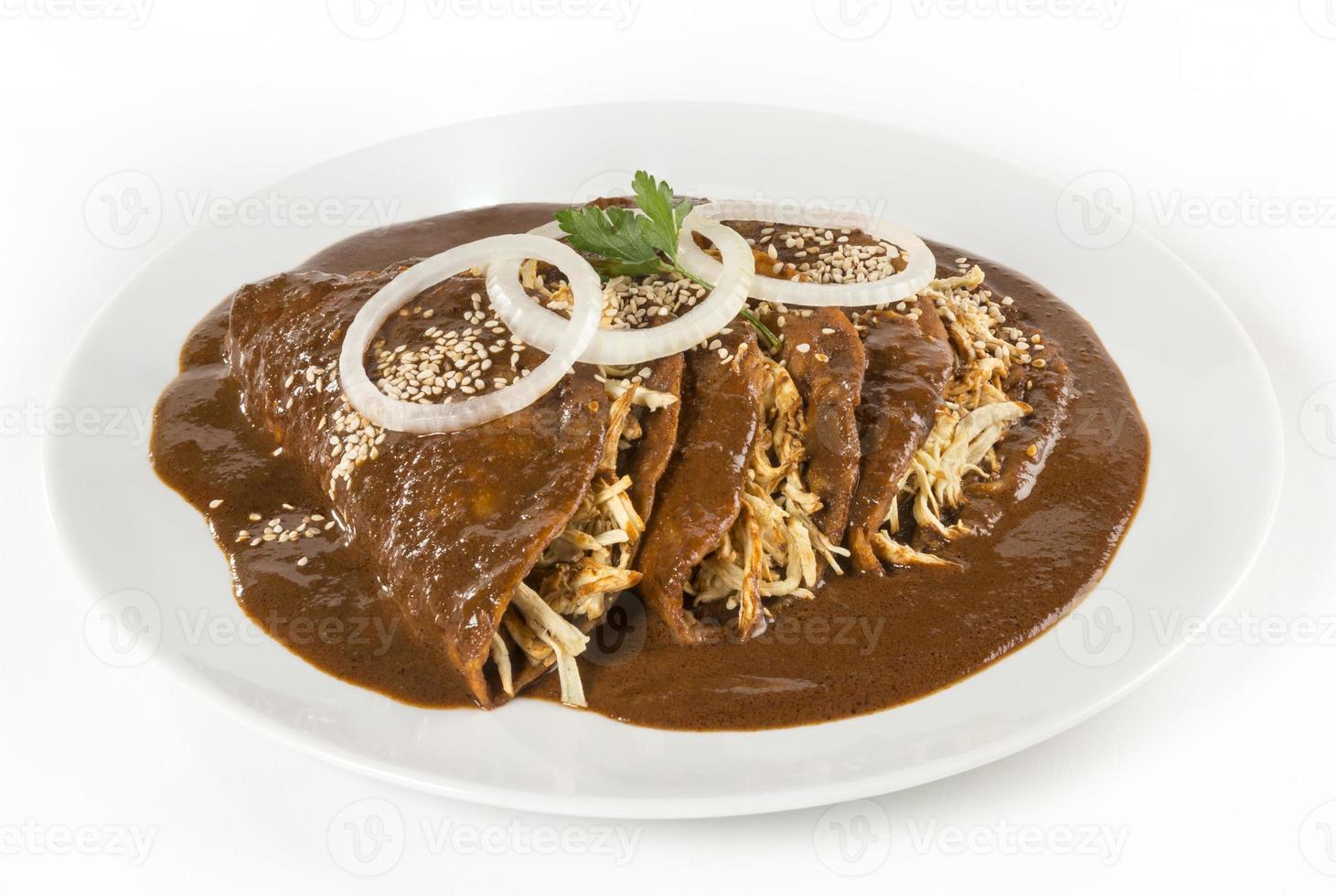 """mexikanska """"mullvad"""" enchiladas isolerade foto"""
