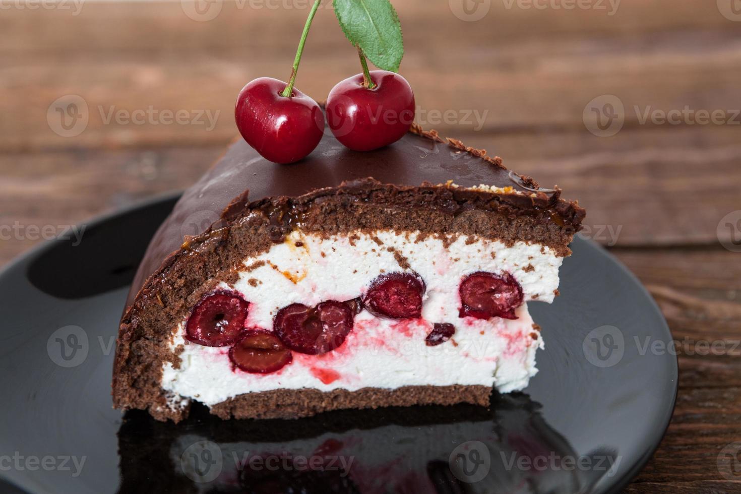 choklad och körsbärstårta foto