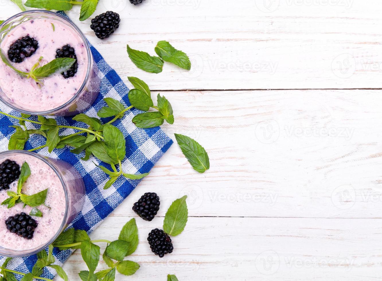 blackberry smoothie. foto