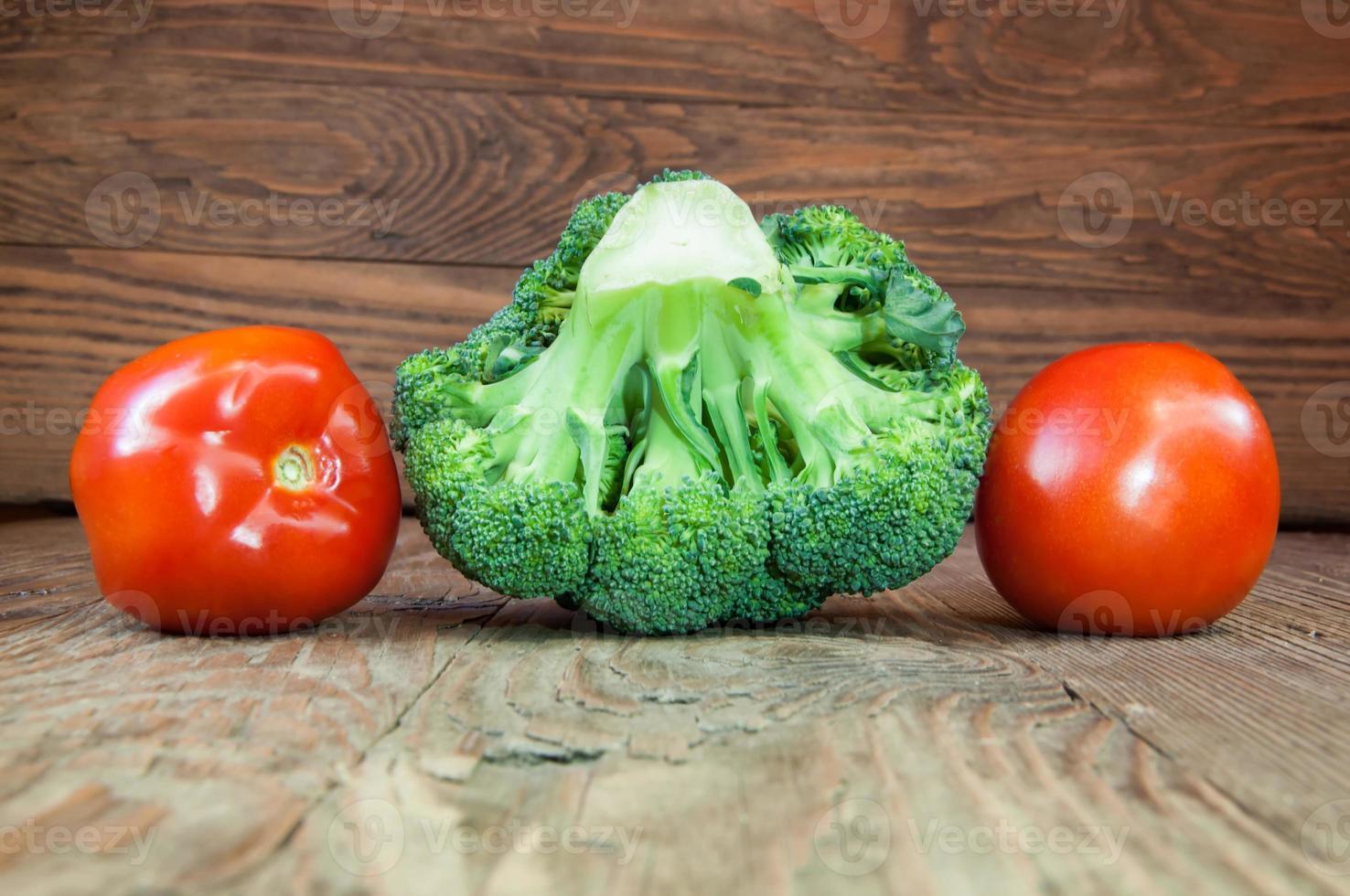 broccoli och tomater foto