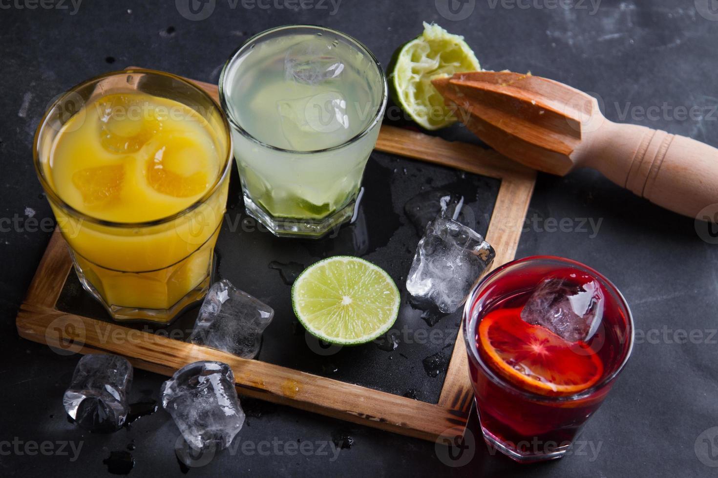 olika färsk cocktail foto