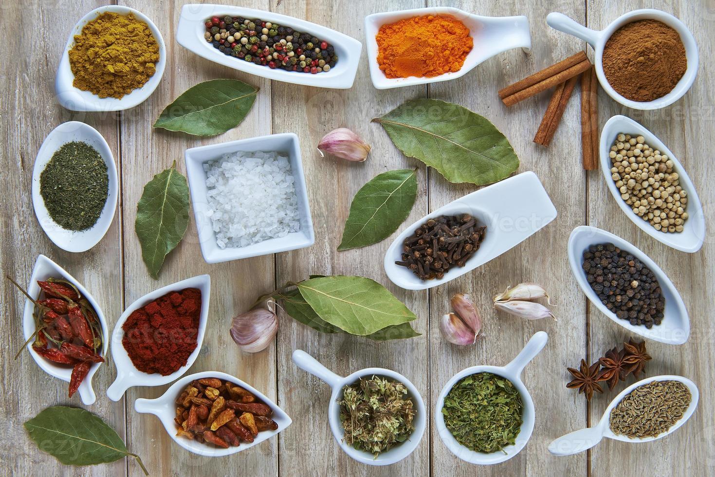 färgglada kryddor foto