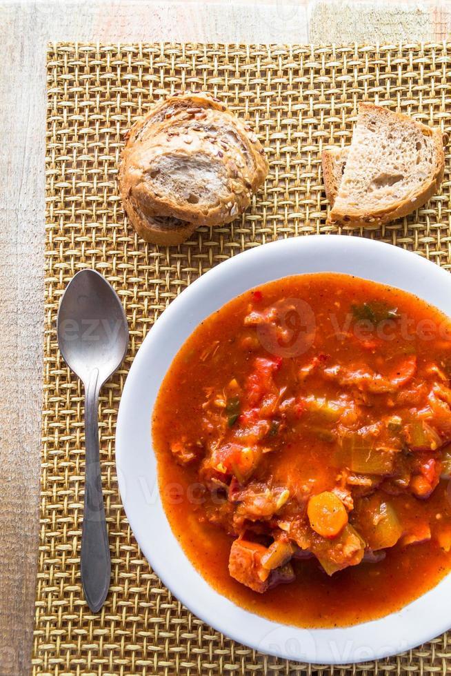 gryta zucchini kokta grönsaker kött mat måltid vintage foto