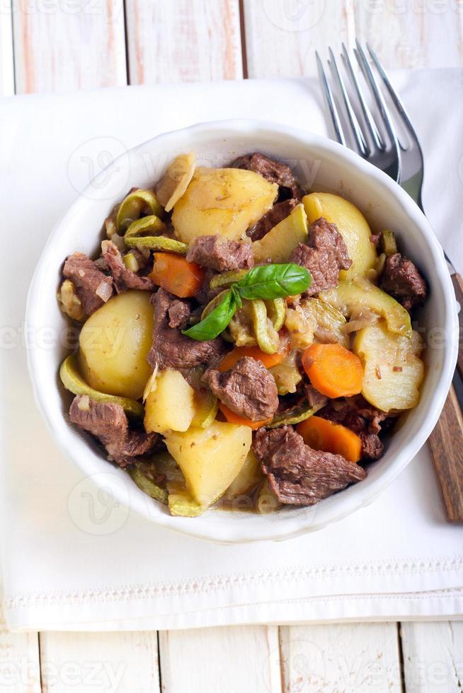 nötkött och grönsaksgryta foto