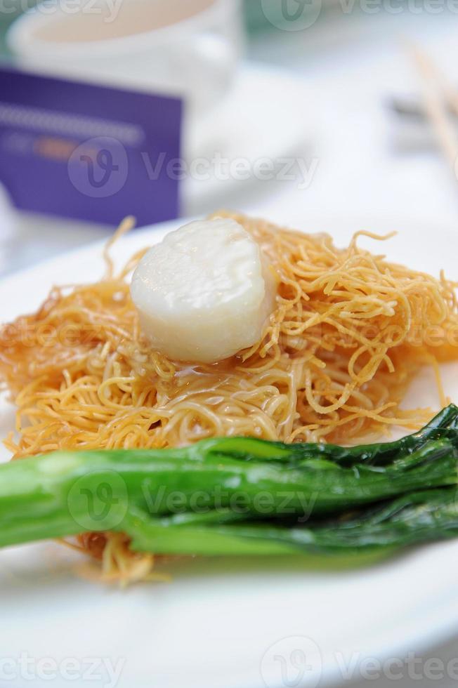 spaghetti. stekt nudlar foto