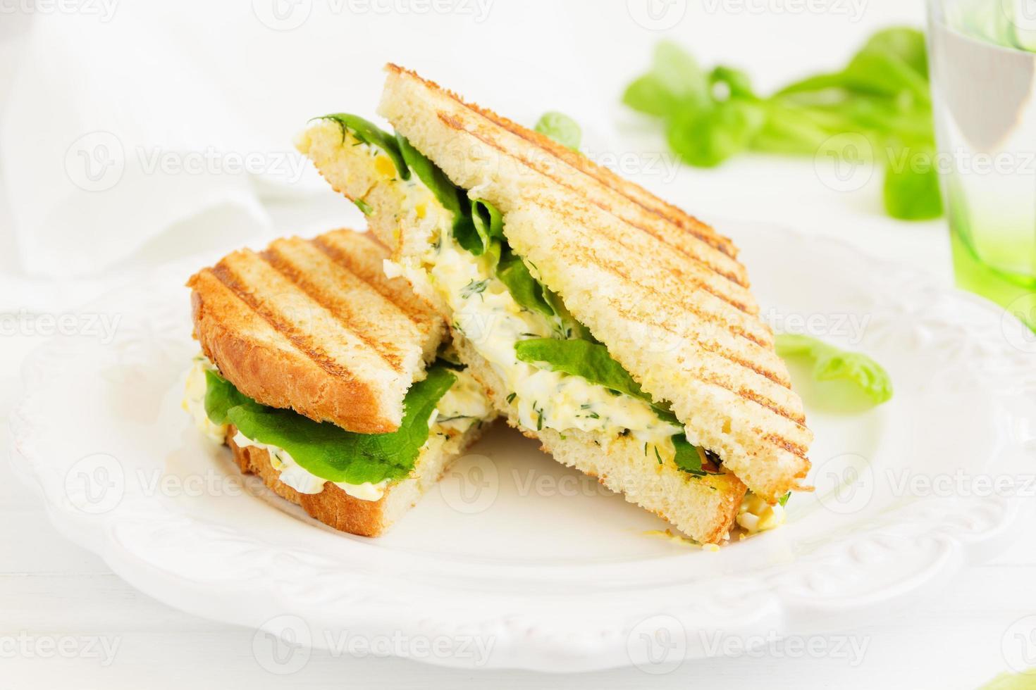 äggsalladsmörgås. amerikanskt kök. foto