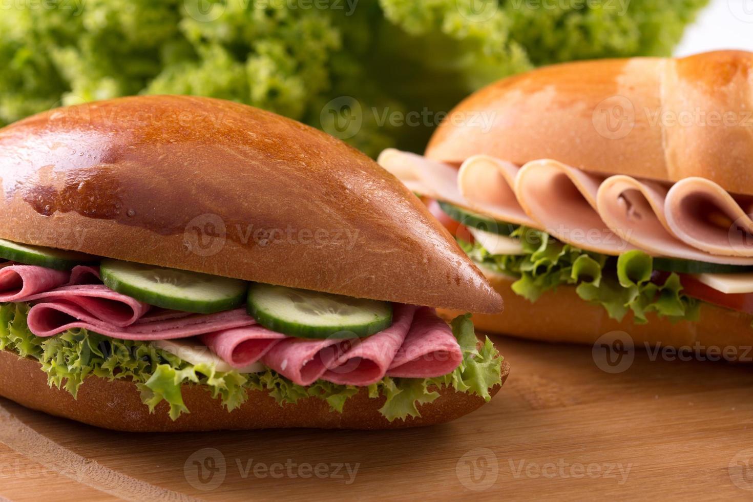 färsk skinka och salladsmörgås foto