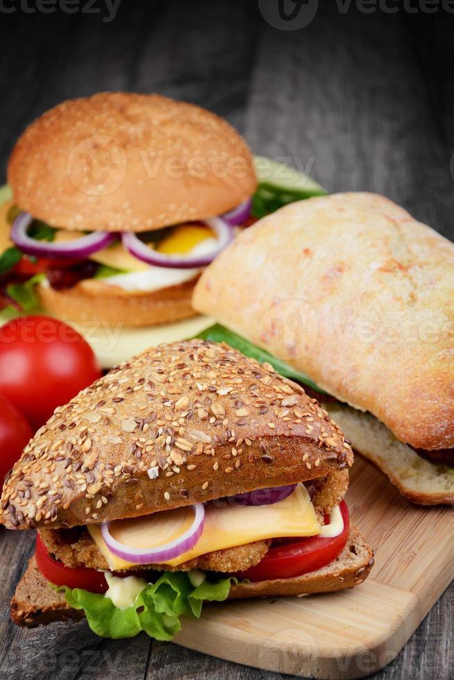 hemlagad välsmakande smörgås foto